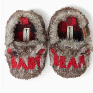 Dearfoams Infant Slippers. SZ 6-9 Months